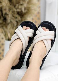 Шлепанцы кожаные бежевого цвета с черной подошвой размер от 36 до 40