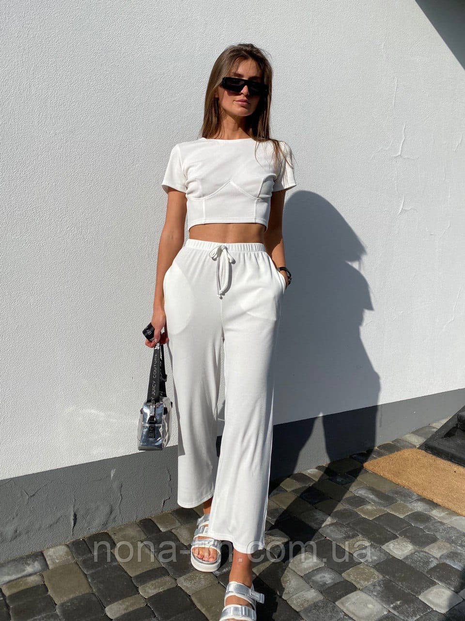 Літній костюм жіночий прогулянковий з широкими штанами