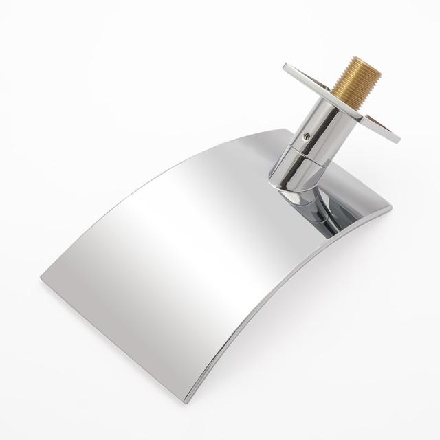Виливши (гусак) для душової системи IL-02 вбудовується в стіну сантехнічного вузла.