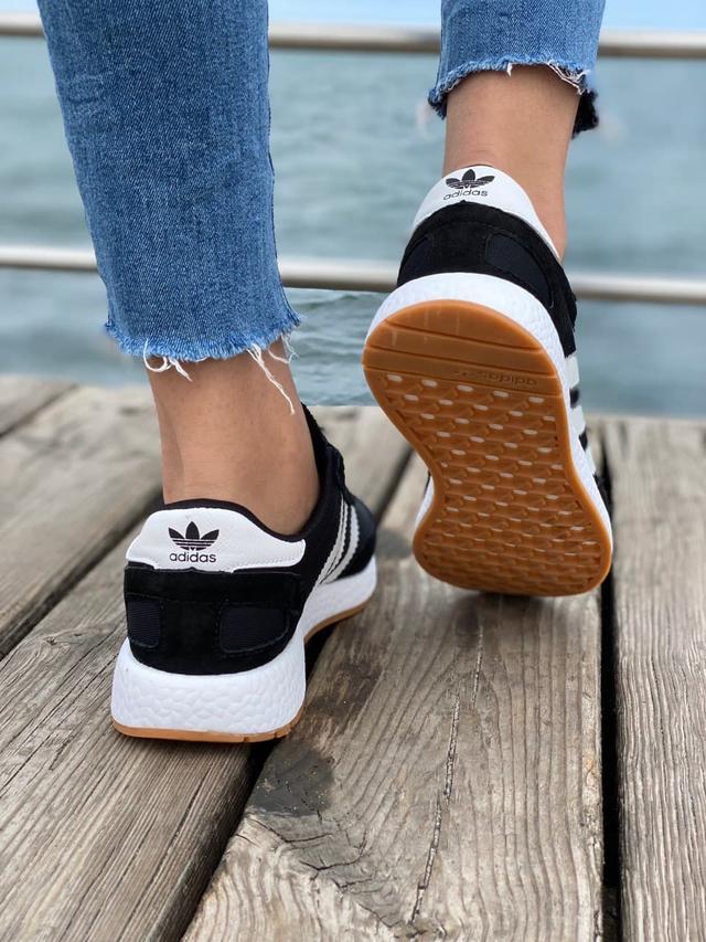 Кросівки Адідас Иники чорні недорогі фото