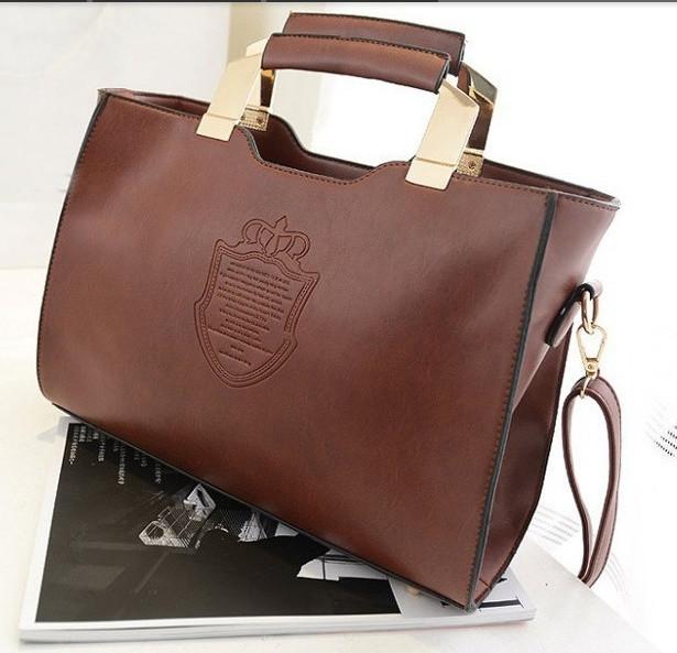 6b247c678c84 Ультрамодная в этом сезоне сумка! Современный и стильный дизайн, удобный  размер. Новая модель 2015 года. Очень удобная и вместительная.