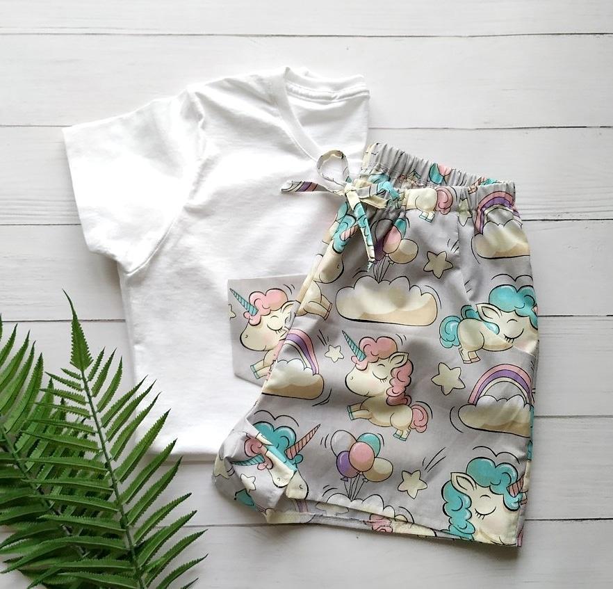 Піжама бавовняна з єдинорогами, футболка і шорти