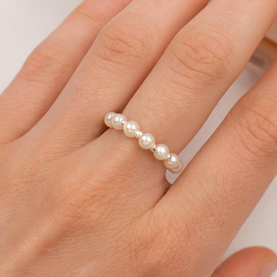 Кольцо из жемчужин на леске
