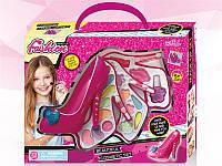 Набор детской косметики для девочки блеск для губ, лак для ногтей, мини помадка и тени в упаковке Туфелька