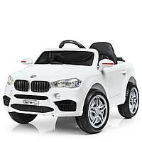 Детский электромобиль БМВ на пульте управления с кожаным сиденьем Bambi BMW Racer M 3180EBLR-1 + свет, белый