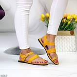 Стильні жовті жіночі босоніжки, в'єтнамки через палець літо 2021, фото 6