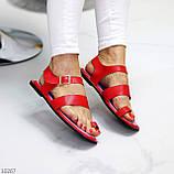 Стильні червоні жіночі босоніжки, в'єтнамки через палець літо 2021, фото 7