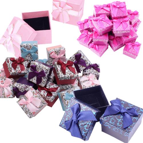 Подарочные коробки и пакеты #1
