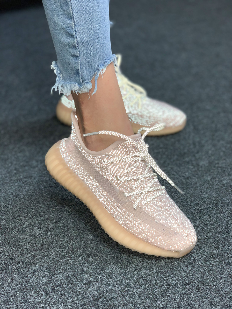 Жіночі кросівки Yeezy Boost 350 Synth*( Ref шнурки)