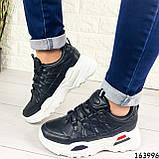 Женские кроссовки черные эко кожа. Женские кроссовки черные на белой подошве, фото 6