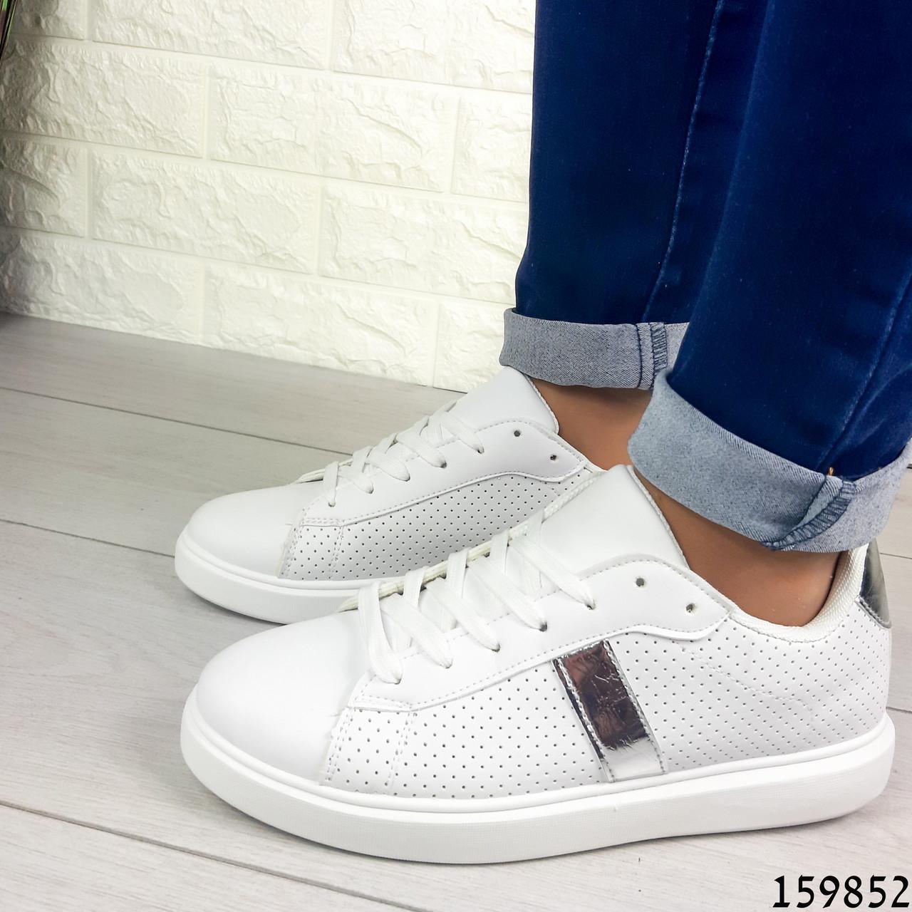 Жіночі кросівки білі на білій підошві, з еко шкіри