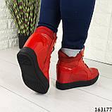 Женские ботинки демисезонные красные на танкетке из эко кожи. Внутри текстильная подкладка, фото 2