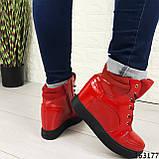 Женские ботинки демисезонные красные на танкетке из эко кожи. Внутри текстильная подкладка, фото 7