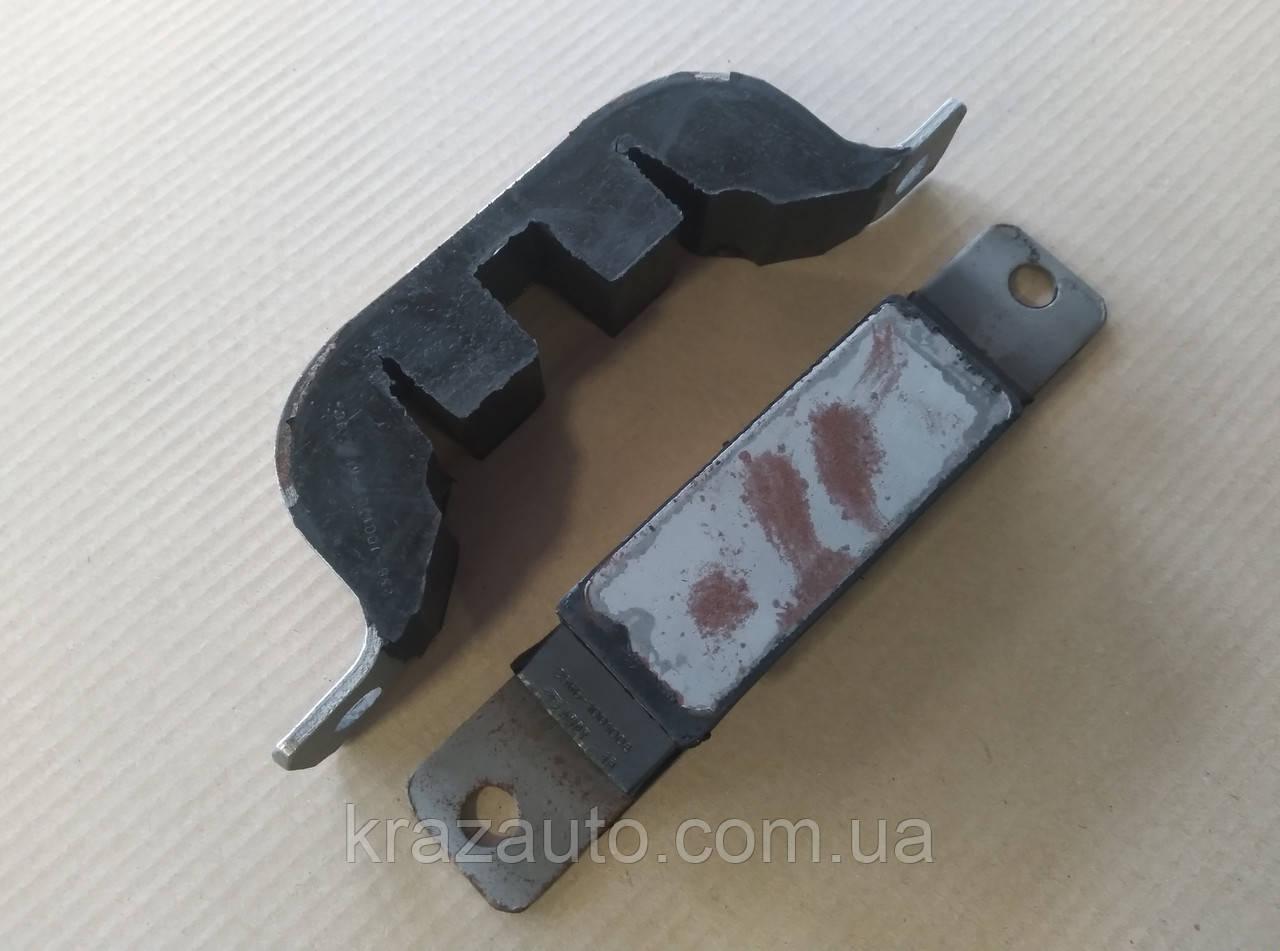 Подушка кріплення двигуна КрАЗ компл. (посилена) 256Б-1001008