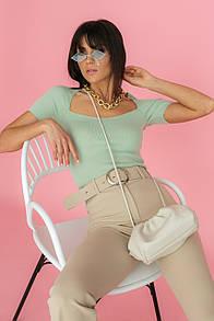 Жіноча футболка з квадратним вирізом в оливковому кольорі