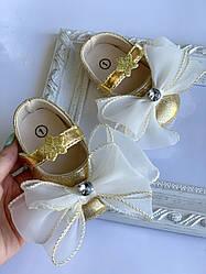 Пінетки оптом золоті черевички з великим бантом