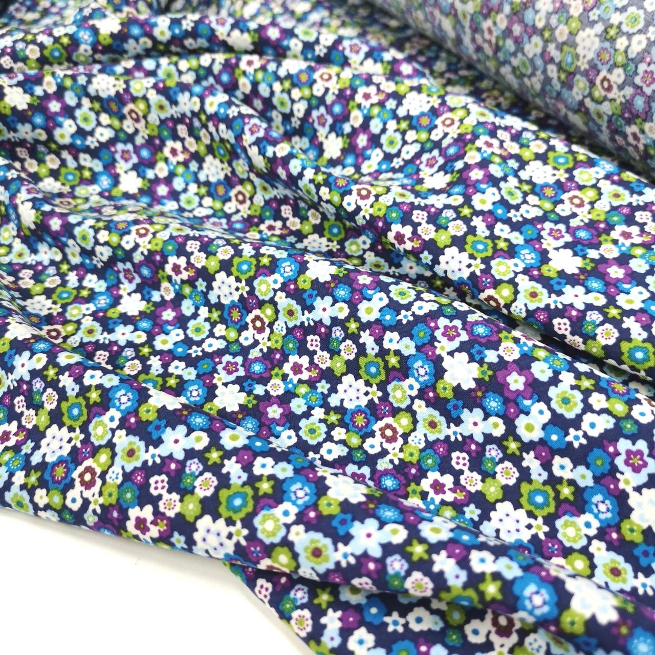 Ткань штапель мелкие цветы на темно-синем