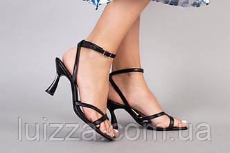 Босоножки женские кожаные черные на каблуке