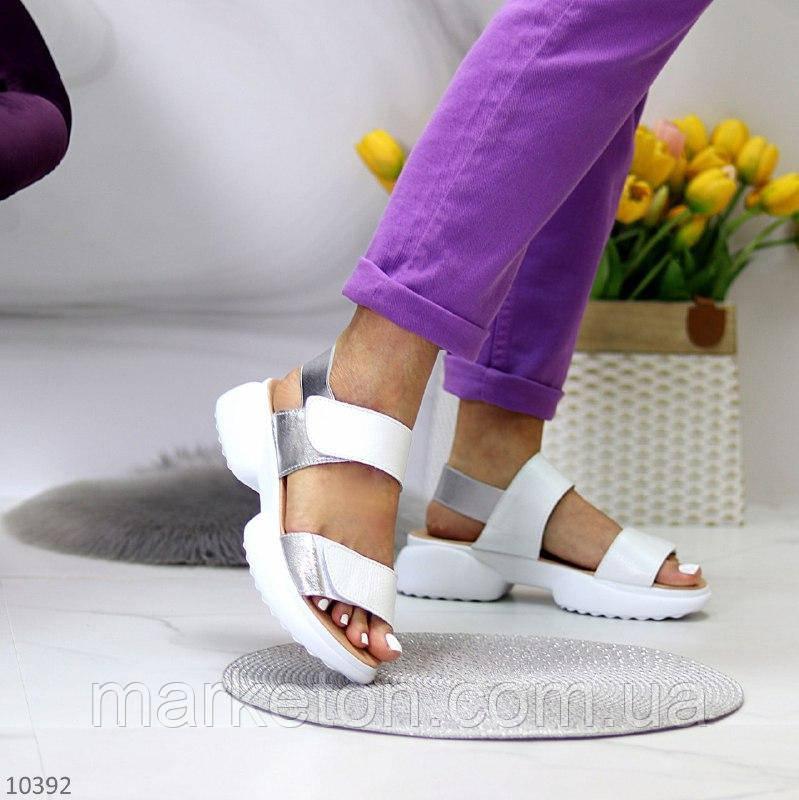 """Жіночі шкіряні босоніжки на масивній підошві Білі з сріблом """"Asher"""""""