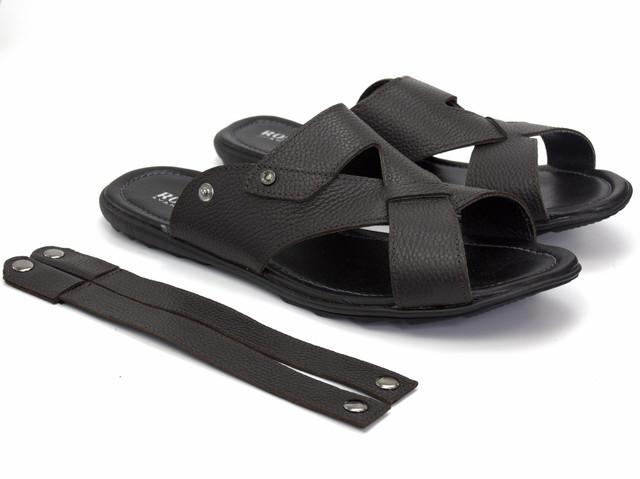 Задний ремешок крепится на кнопках и это решение превращает сандалии в шлепанцы