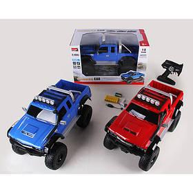 Машина 2855 р/у2,4G, аккум,50см,1:8,св, рез.колеса, USBзар,аморт,4х4,2цв, в кор-ке, 55-30-33см