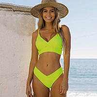Стильный раздельный купальник лимонного цвета, топ треугольной формы, плавки с завышенной посадкой