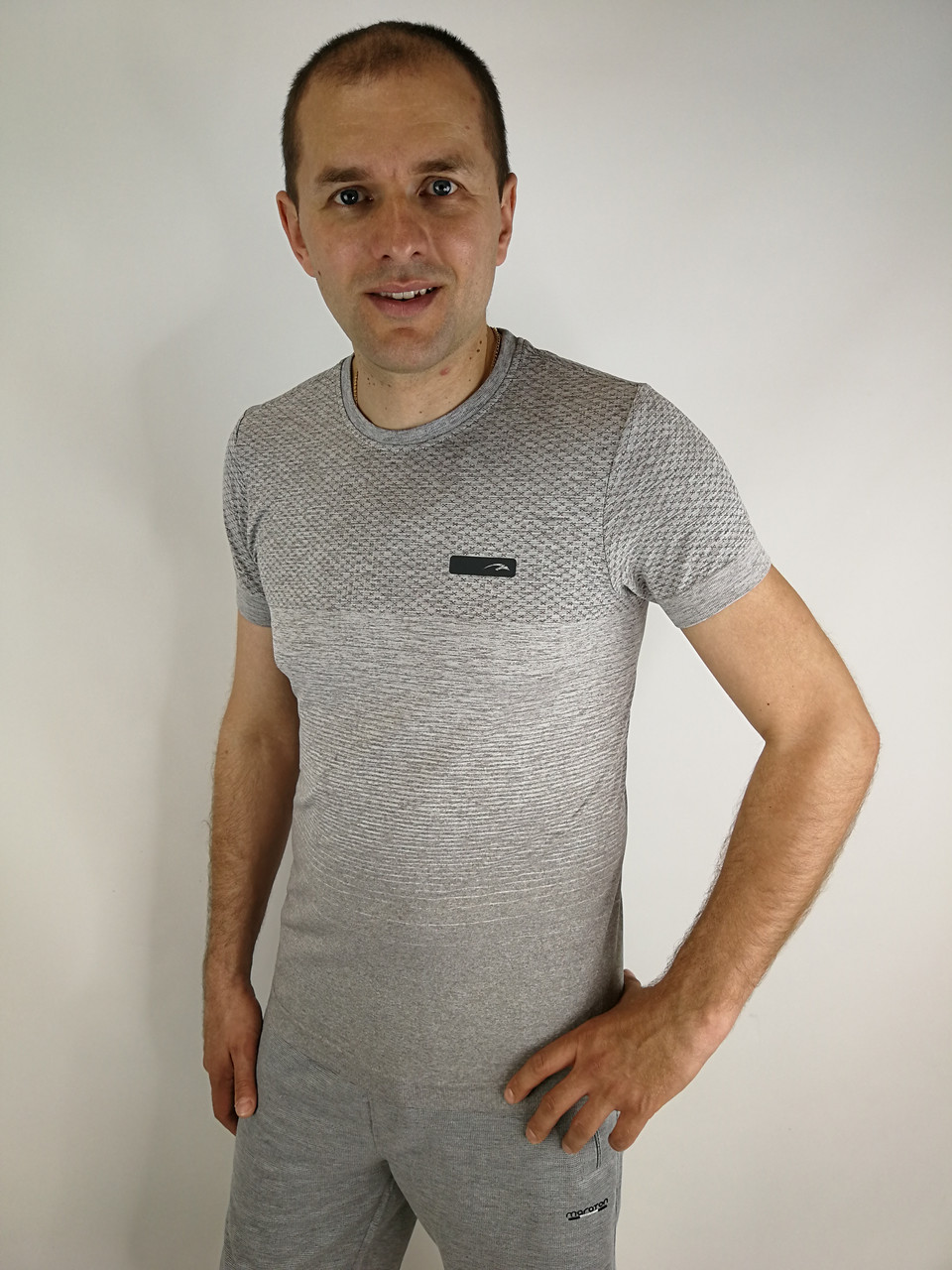 Чоловіча футболка купити в інтернеті