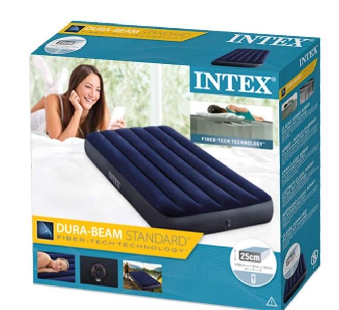 Надувний матрац Intex 64757 одномісний для будинку і пляжу 99x191x25 см, односпальний матрац темно синій