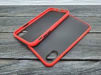 Противоударный матовый чехол для iPhone Xr красный бампер