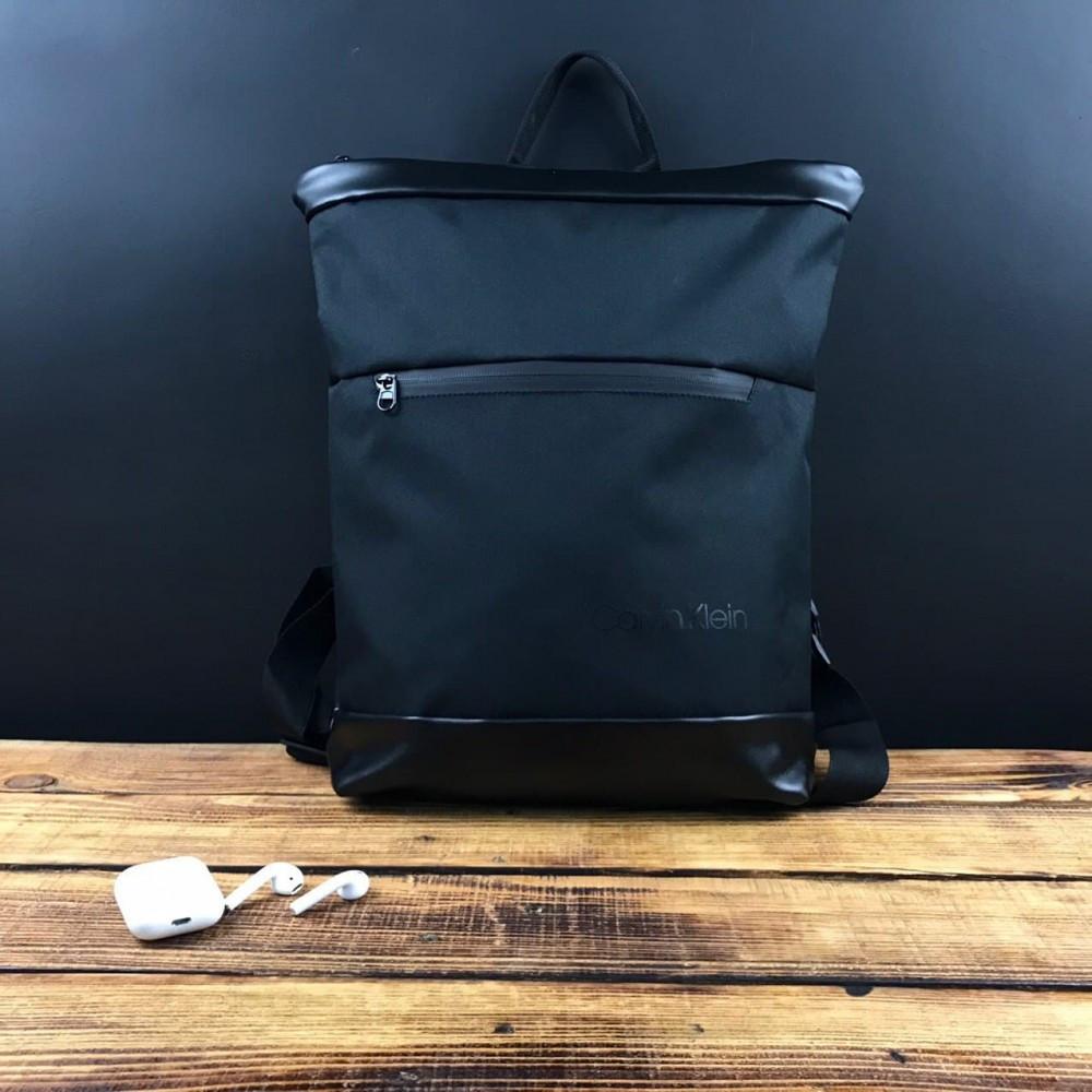 Рюкзак чорний Calvin Klein D48