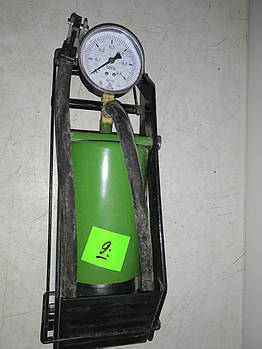 Насос ножной 1 цилиндр металический  с манометром 6 атм (80х130) Беларусь