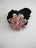Велюровая резинка для волос с металлическим украшением в стразах в форме цветка, фото 1