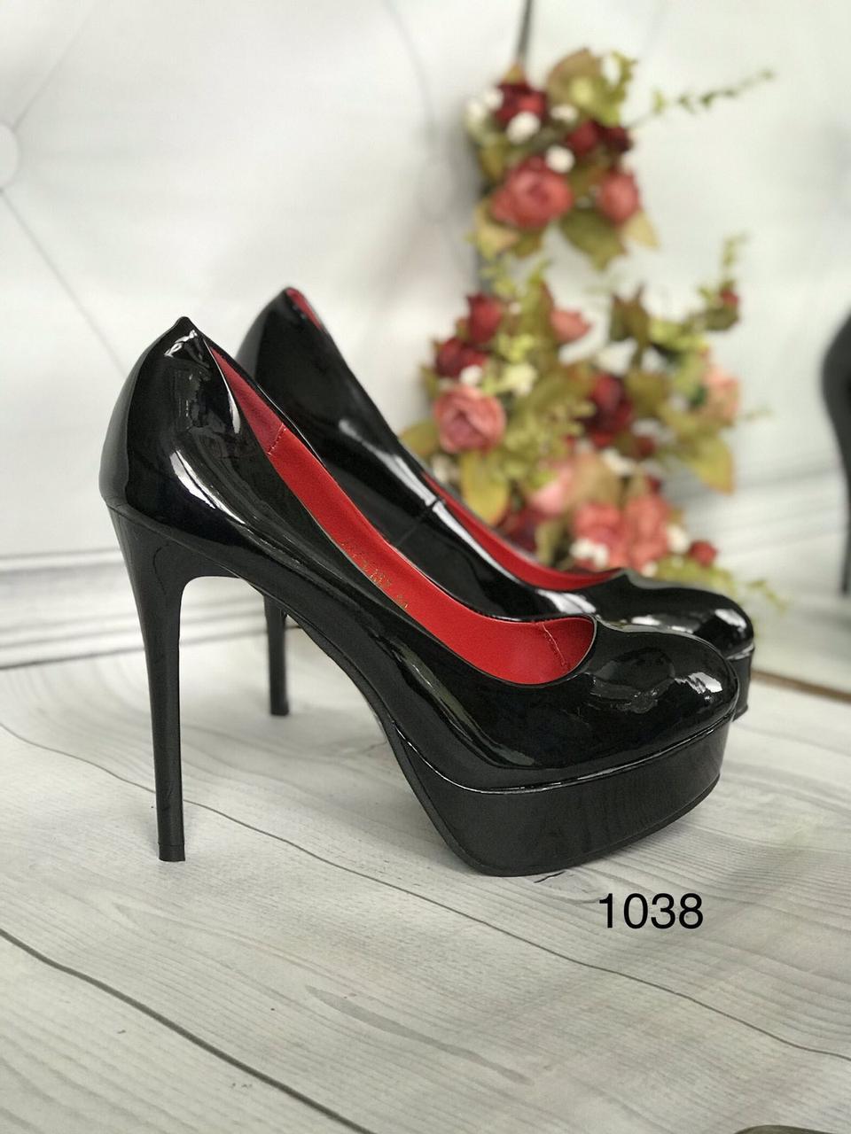Туфлі жіночі класичні чорні ,високий каблук,платформа