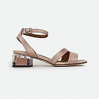 Стильные кожаные босоножки на квадратном каблуке с квадратным носком розово-пудровые Brocoli B58201Z-5403