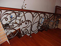 Кованые перила для лестницы из металла