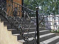 Кованые перила для домашней лестницы