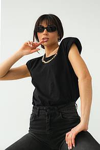 Женская футболка с цепью и подплечниками в черном цвете L