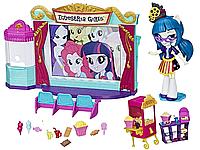 Набор My Little Pony Кинотеатр и мини-кукла Джунипер Монтаж Equestria Girls Minis Movie Theater C0409