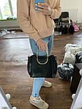 Женская коричневая сумочка K06-20/3 с металлическими маленькими ручками на плечо, фото 4