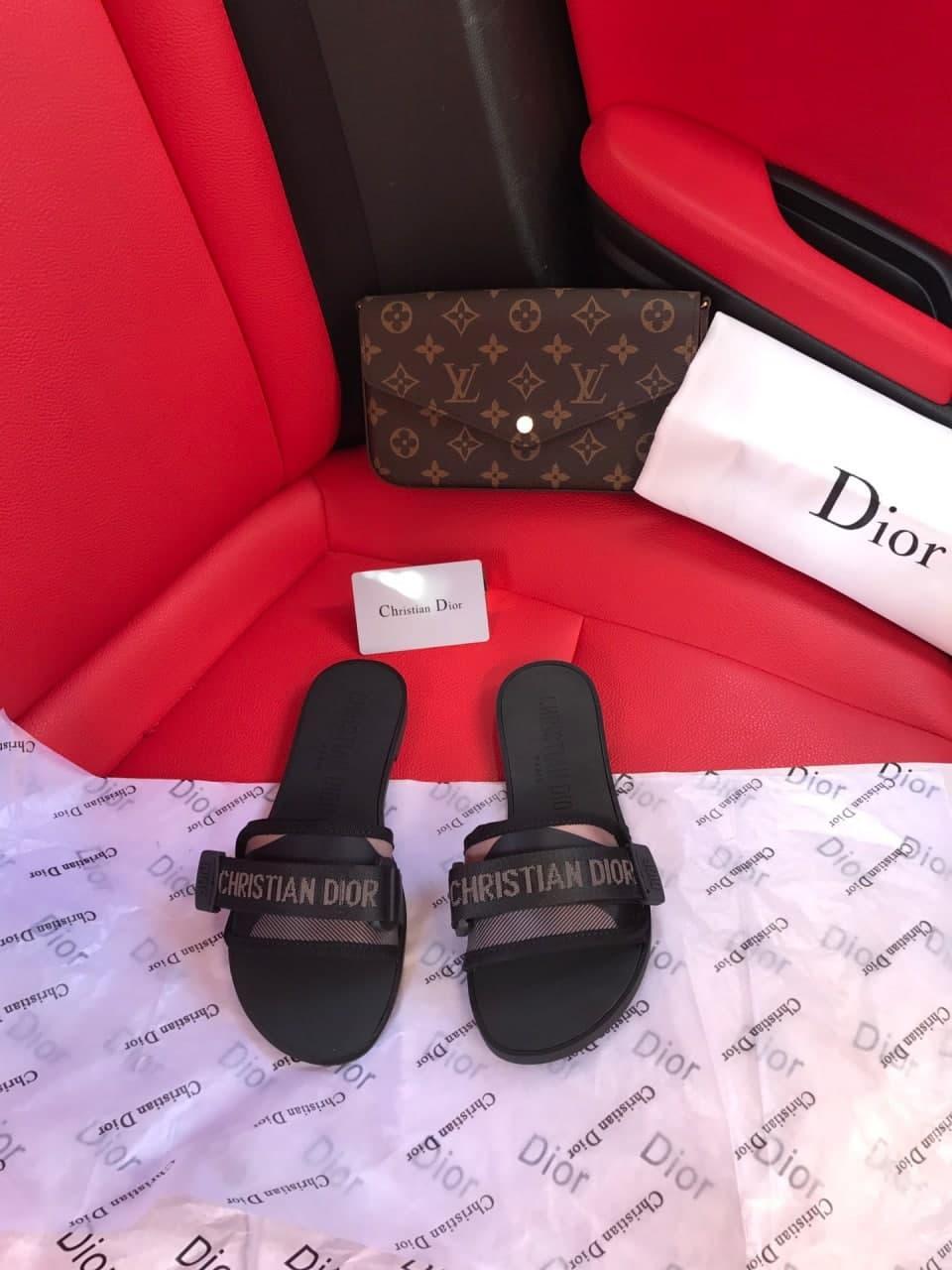 Женские тапочки Christan Dior