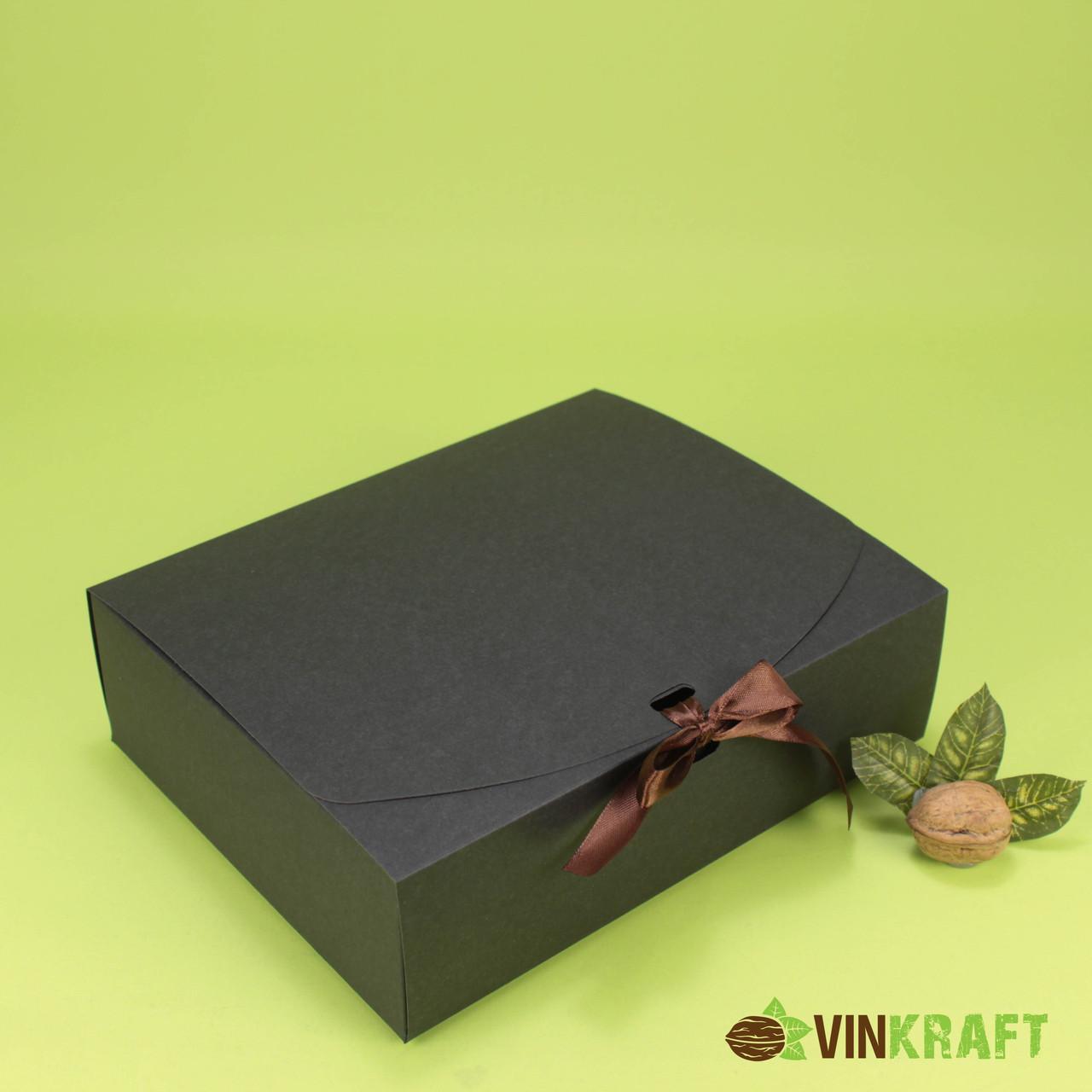 Подарочная коробка 200*240*70 с лентой, черная