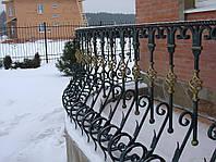 Металлические ограждения и перила для лестниц