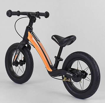 Велобег детский  черно-оранжевый Беговел для мальчика от 2-х лет Легкий беговел для ребенка