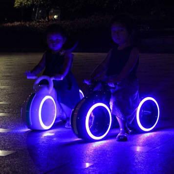 Детский космический беговел с LED-подсветкой, bluetooth и звуковыми эффектами Детский беговел