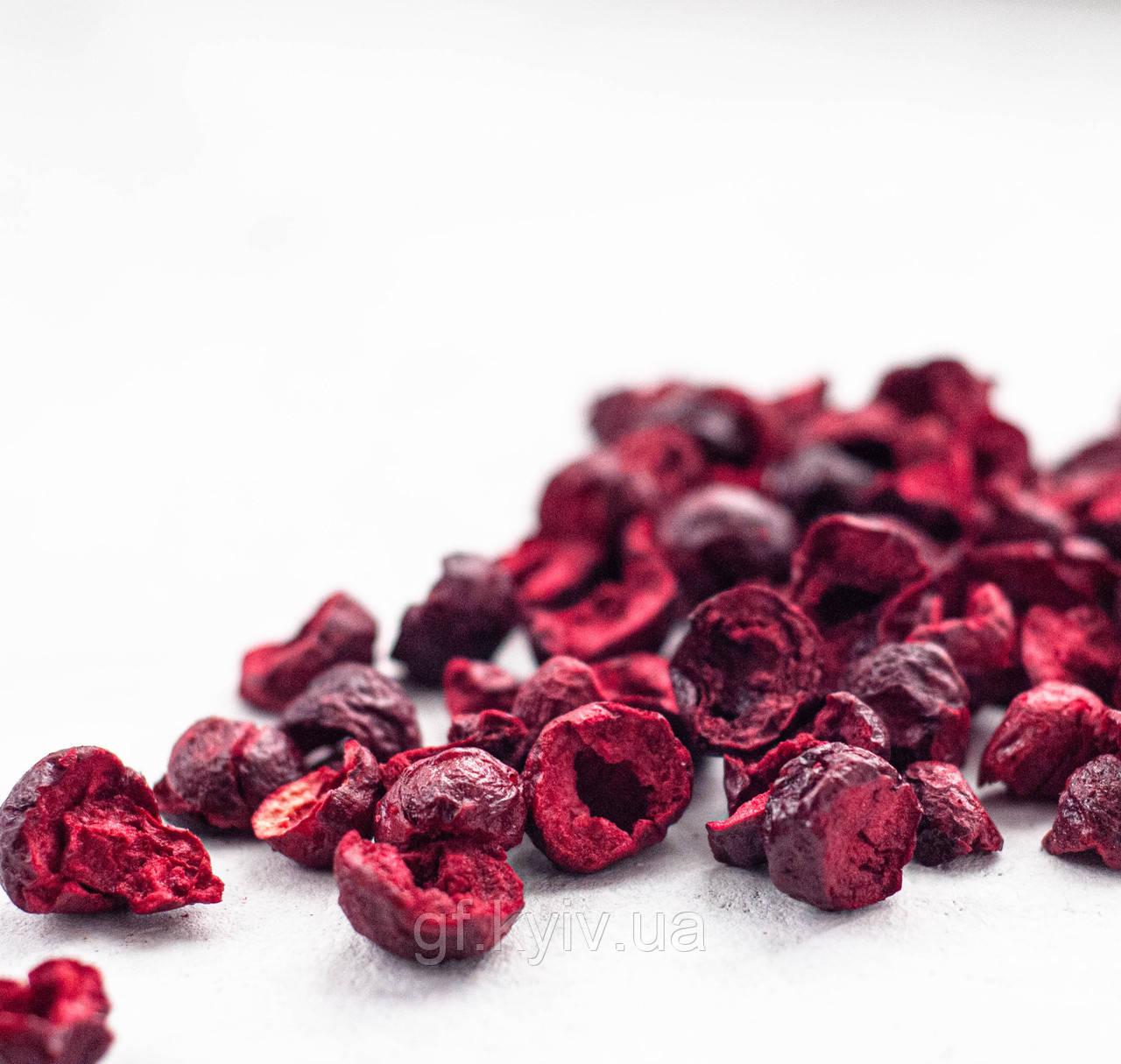 Вишня половинки 50г сублимированная натуральная ягода от украинского производителя
