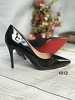 Жіночі класичні туфлі чорні лакові з червоною підошвою, фото 1