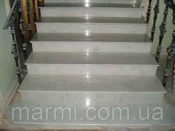 Лестница из мрамора Bianco Perlino