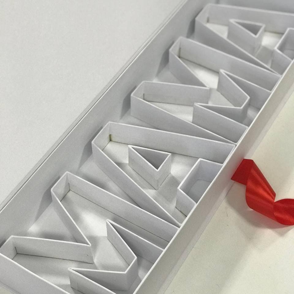 Коробка футляр з буквами МАМА 73*22*10 см