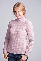 Очаровательный зимний свитер в нежно розовом цвете с красивым узором