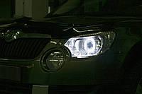 """Skoda Yeti - установка биксеноновых линз MOONLIGHT G6/Q5 H4 D2S 3,0"""" и светодиодных """"ангельских глазок"""" в фары"""